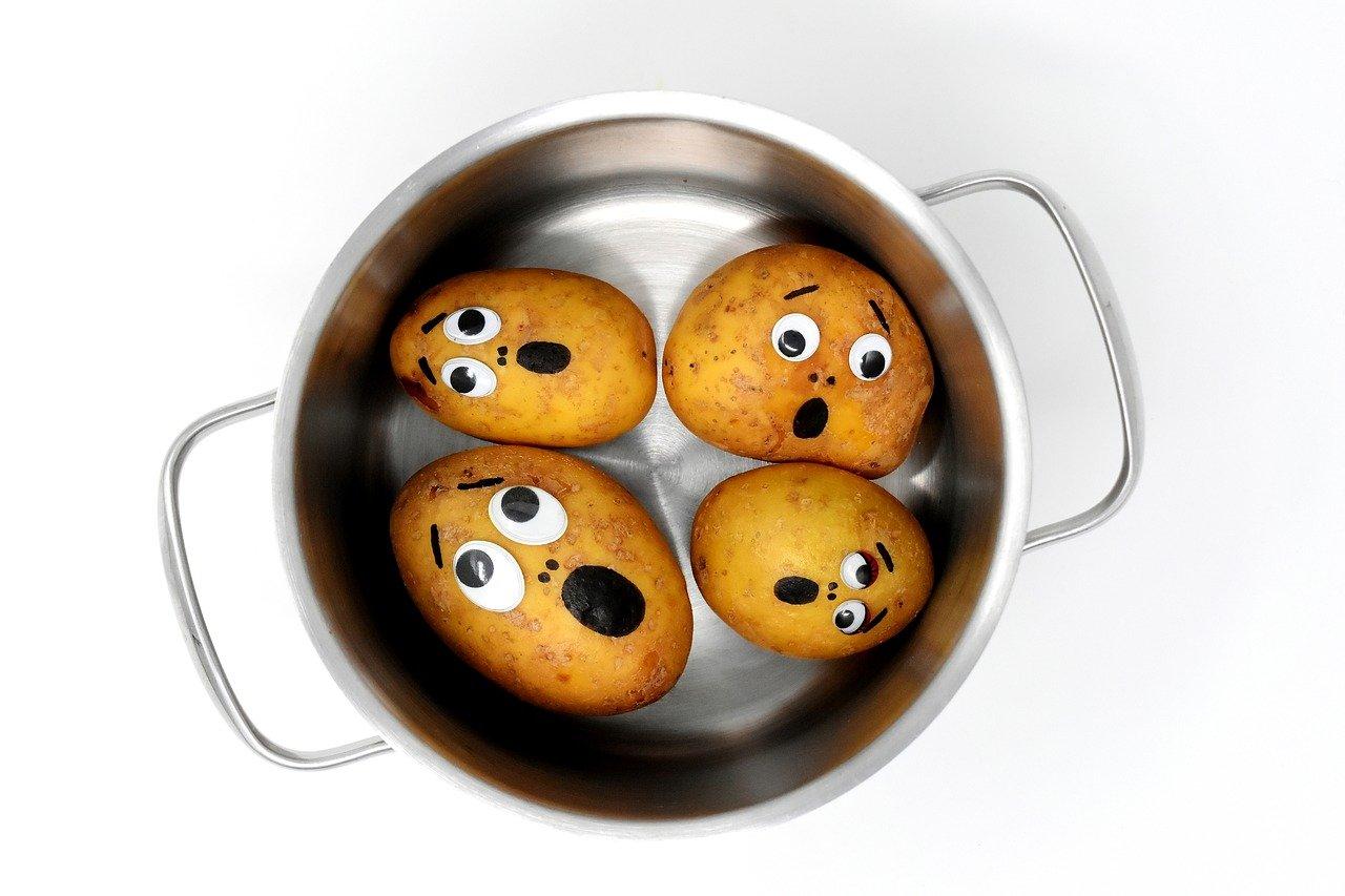 Garnki emaliowane - czy dalej powinny gościć w naszej kuchni? 1