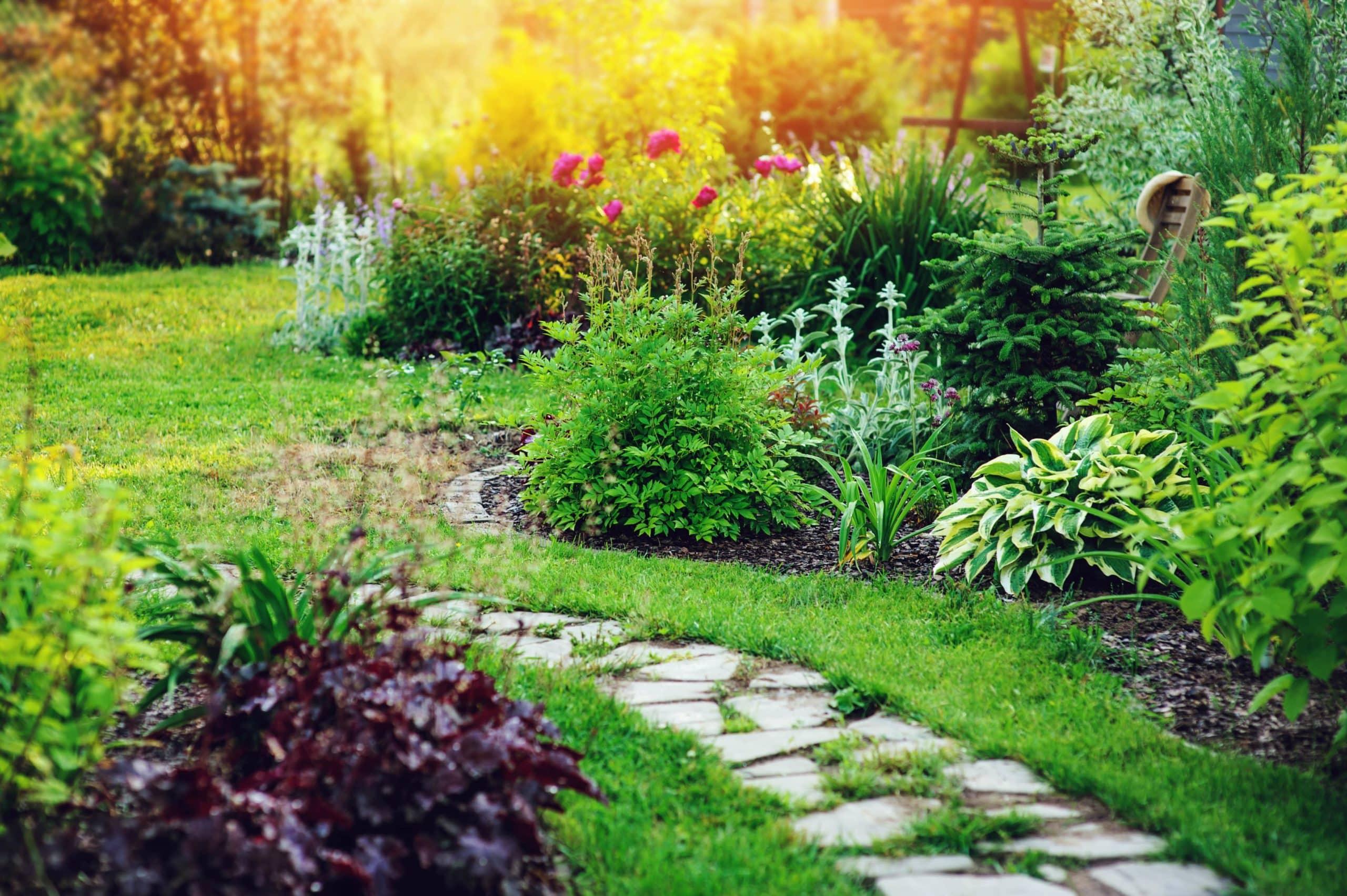 Obrzeża trawnikowe – nowy trend w urządzaniu ogrodu 1