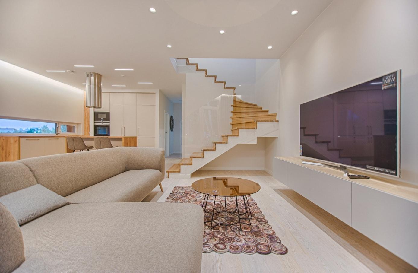 Nowoczesne schody w domu – co to oznacza? 1