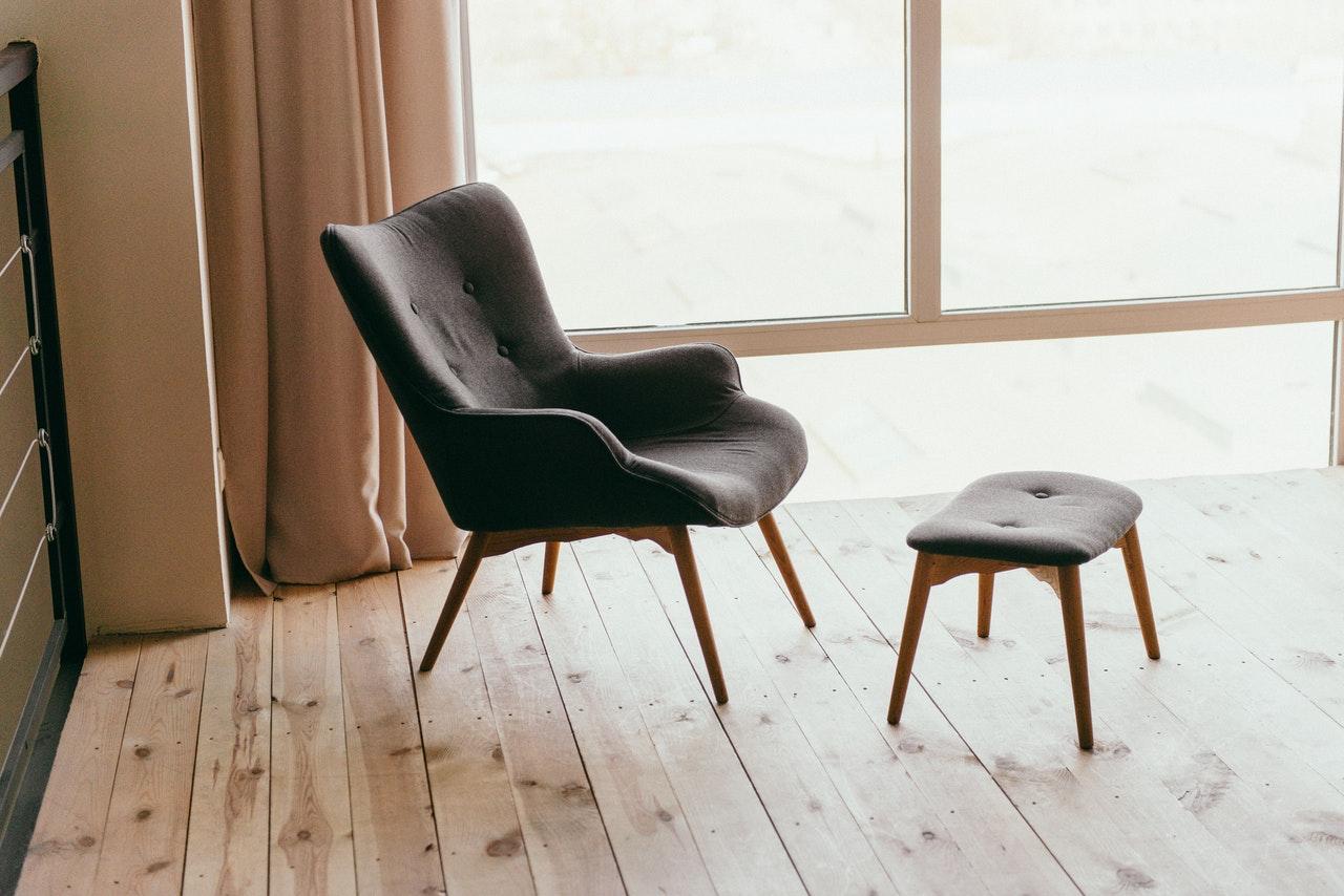 Krzesła skandynawskie – jak wkomponować je we wnętrza? 1