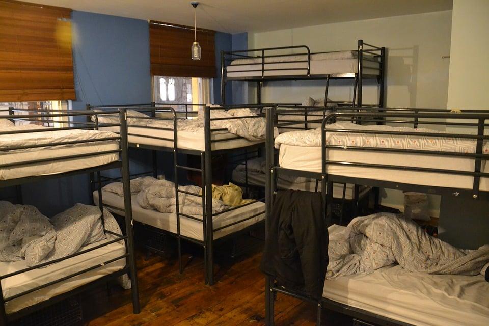 Łóżko piętrowe na wymiar to propozycja nie tylko dla Twojego domu! Gdzie jeszcze okaże się przydatne? 1