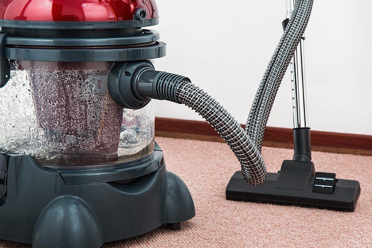 Pranie dywanów odkurzaczem piorącym – jak robić to skutecznie? 1