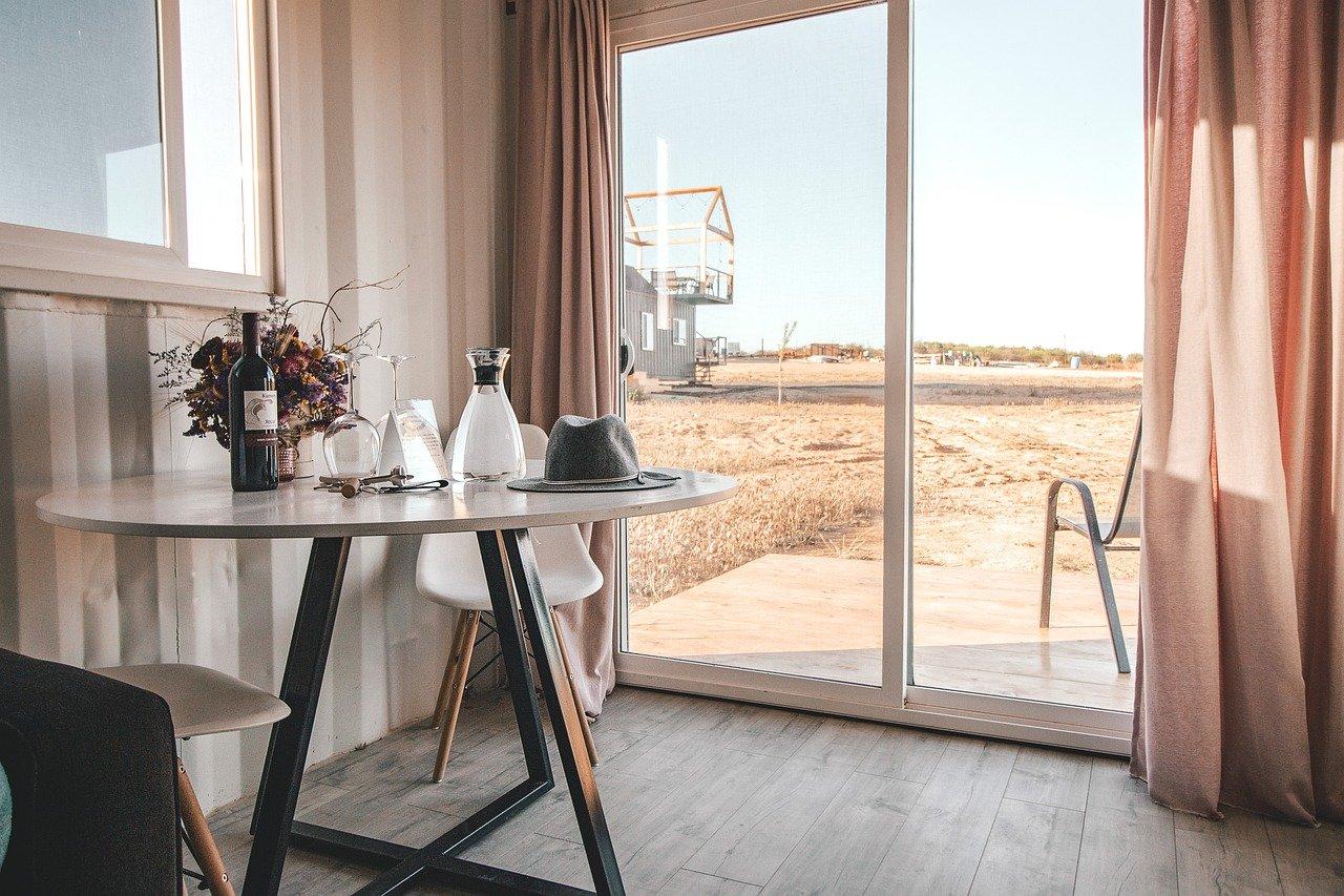 Jak urządzić salon w stylu skandynawskim? 1