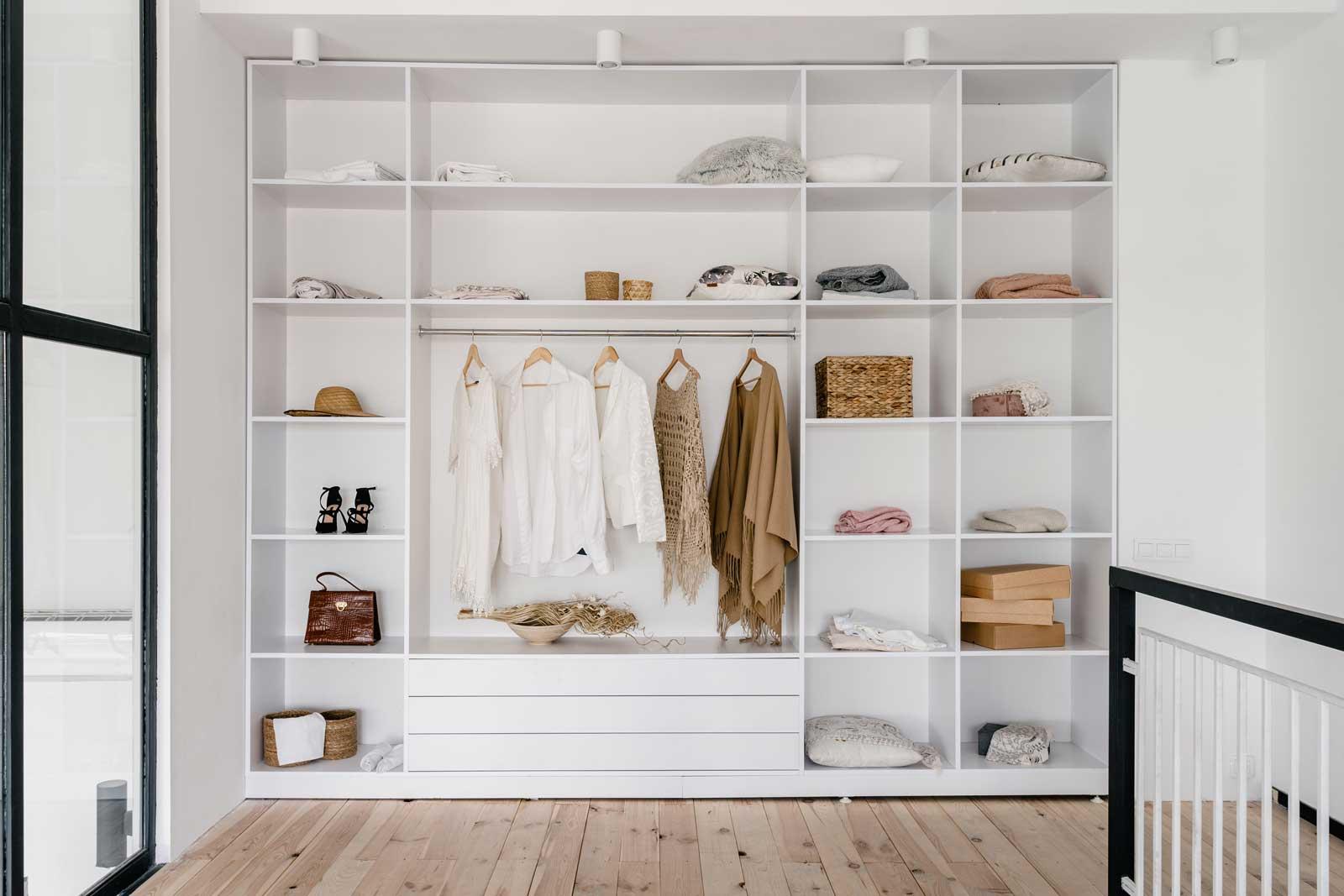 Jak zaprojektować funkcjonalną szafę pod nowe wnętrze? 1